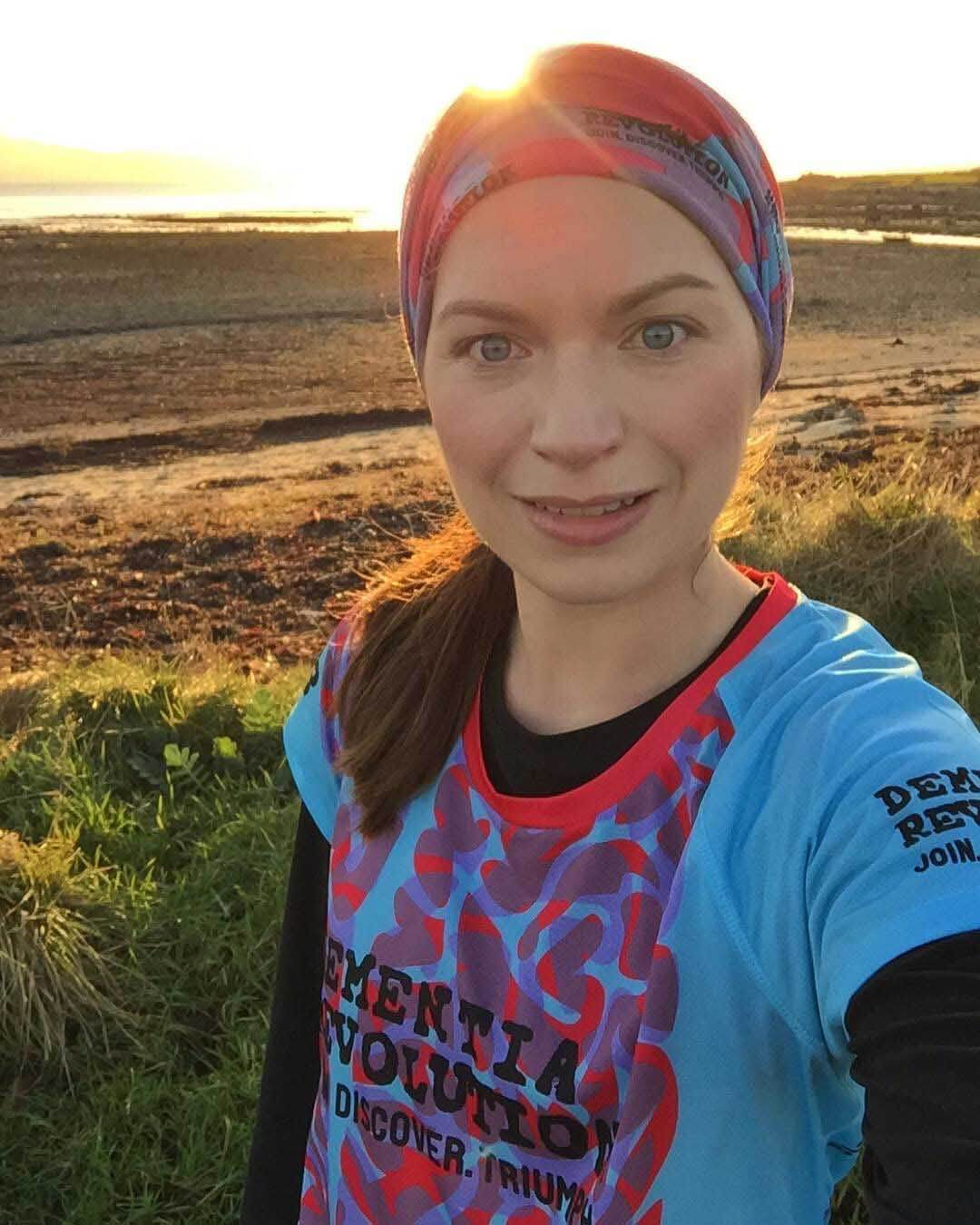 HOKA fan Louisa readies herself for the 2019 London Marathon