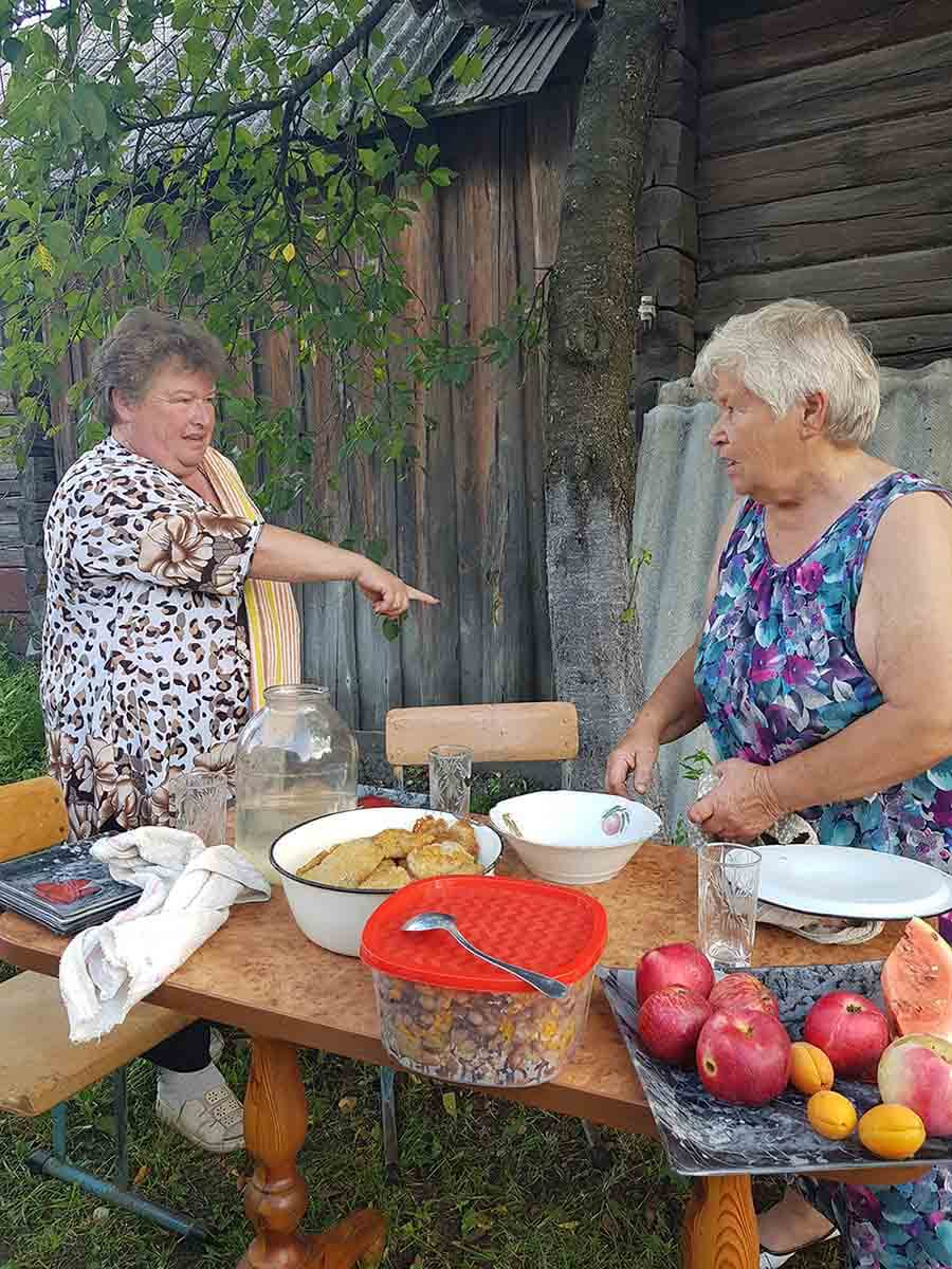 Two women from Belarus cook traditional food