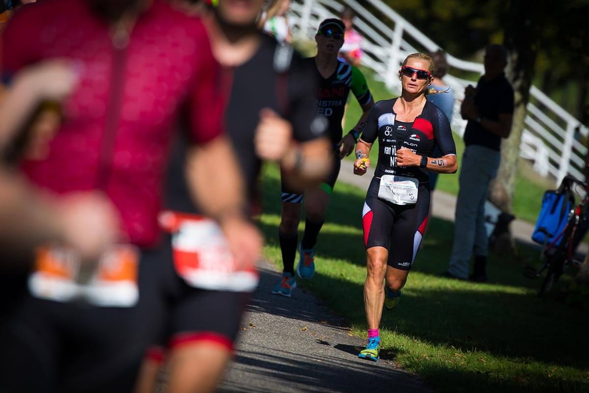 HOKA athlete Yvonne van Vlerken running at Challenge Almere
