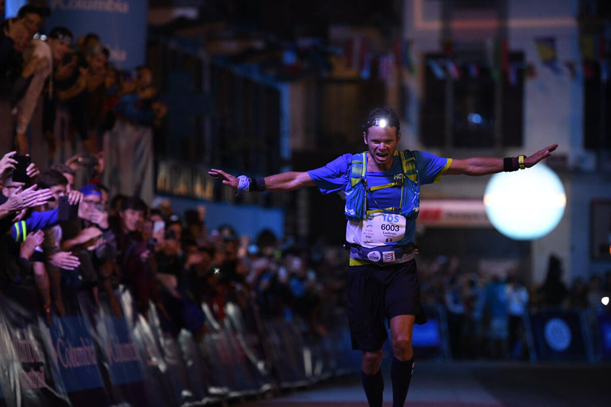 HOKA athlete Ludovic Pommeret runs into the finishing straight