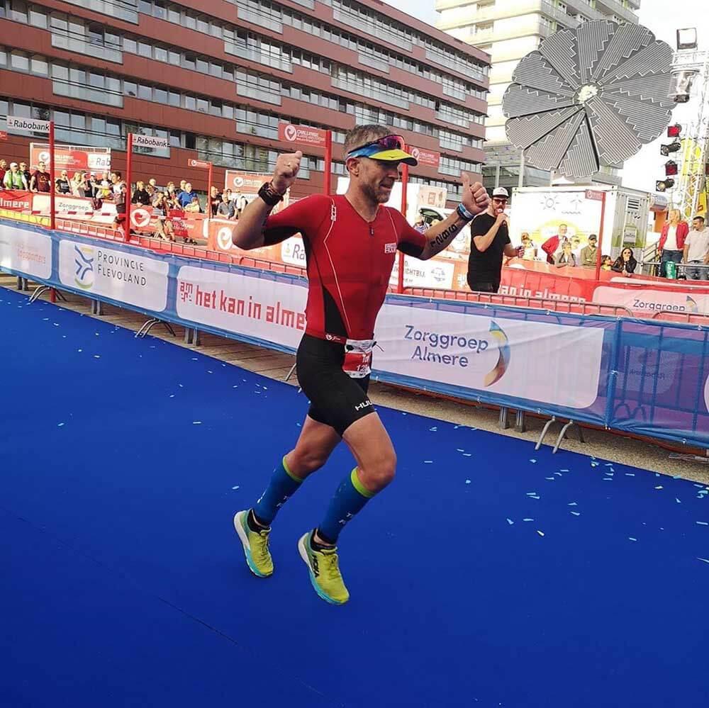 HOKA fan Tom in triathlon action