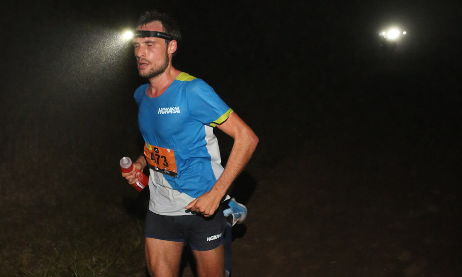 HOKA athlete Thibaut Garrivier starts the race with a headtorch