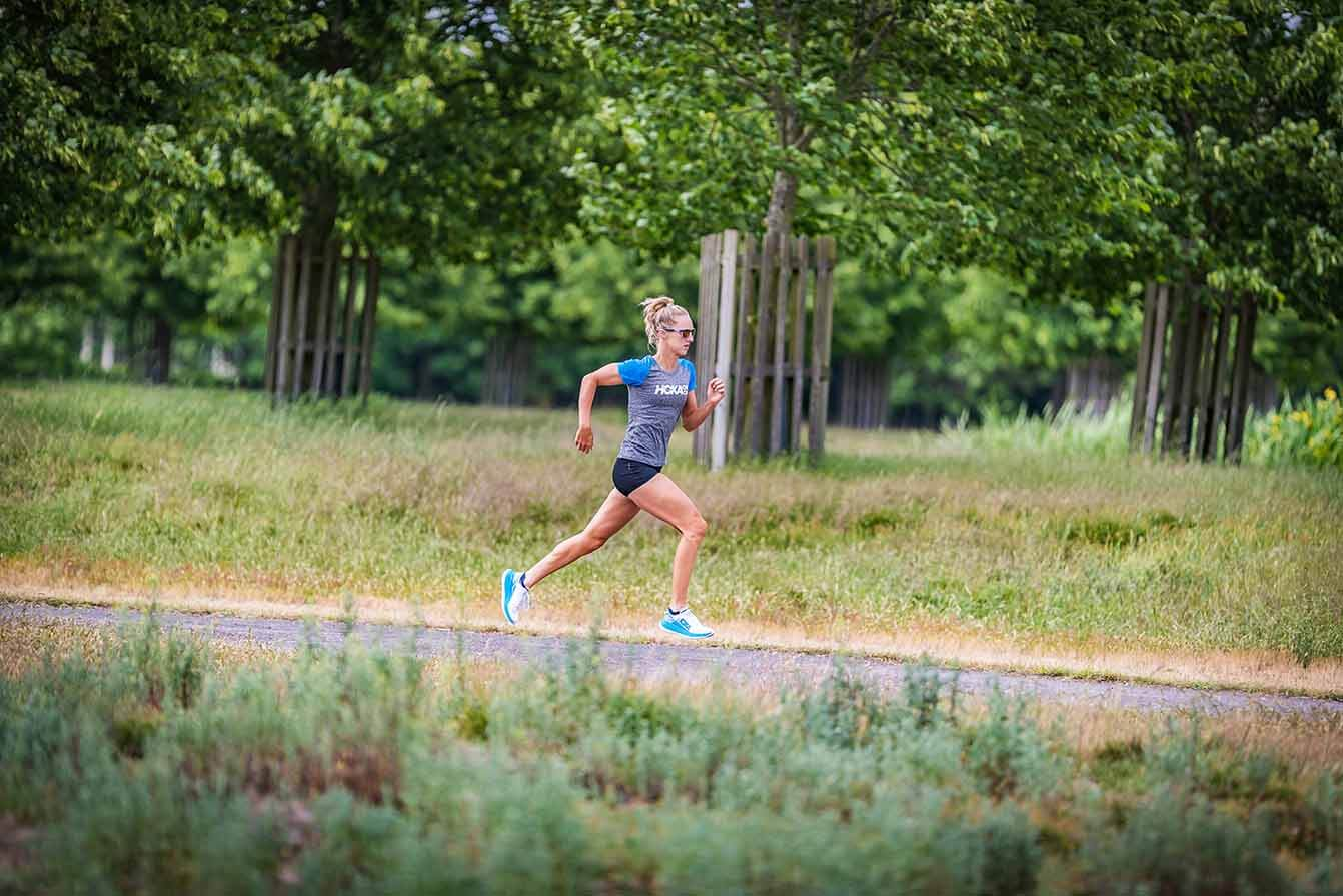 HOKA athlete Emma Pallant in full flight in the Carbon X